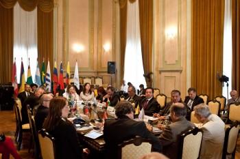 La RAADDHH y el IPPDH son ámbitos institucionales del MERCOSUR. Constituyen una comunidad política comprometida con el respeto y promoción de los derechos humanos como eje fundamental de la identidad y desarrollo de la región.