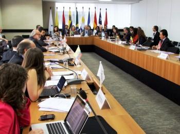 La Reunión de Altas Autoridades de Derechos Humanos y Cancillerías del Mercosur y Estados Asociados es un espacio creado con el objetivo de fomentar el encuentro y el diálogo regular entre los representantes estatales, la sociedad civil y organizaciones internacionales en torno a la definición de políticas públicas en derechos humanos en la región.